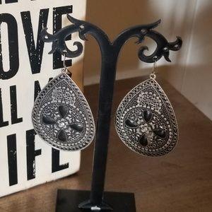 ☆5 for $15☆Vintage Tree of Life Flower Earrings
